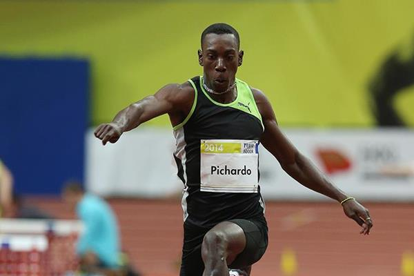 Pedro Pablo Pichardo jumping at the 2014 Prague indoor meeting (Praha Indoor 2014 / Pavel Lebeda )
