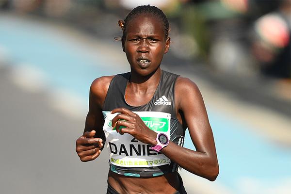 Flomena Cheyech Daniel on her way to winning the Saitama Marathon (Agence SHOT)