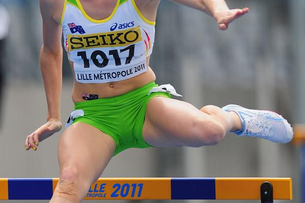 Sarah CARLI (AUS) during the Girls 400 metres hurdles semi final - Day two - WYC Lille 2011 (Getty Images)
