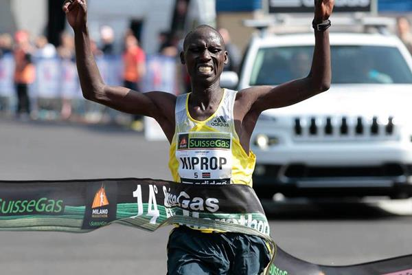 Francis Kiprop wins the 2014 Milano City Marathon (Giancarlo Colombo)