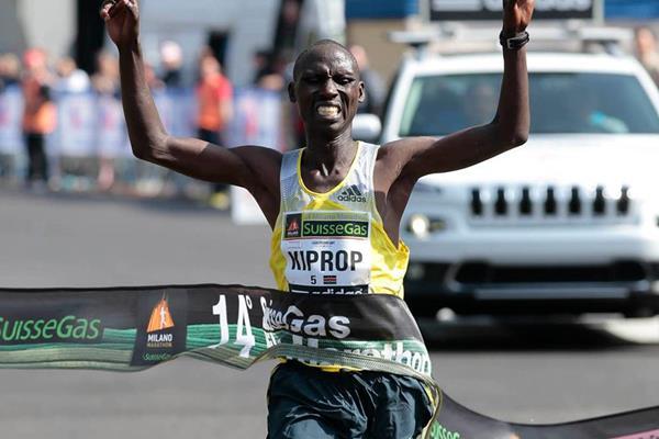 Francis Kiprop wins the 2014 Milano City Marathon (Giancarlo Colombo)