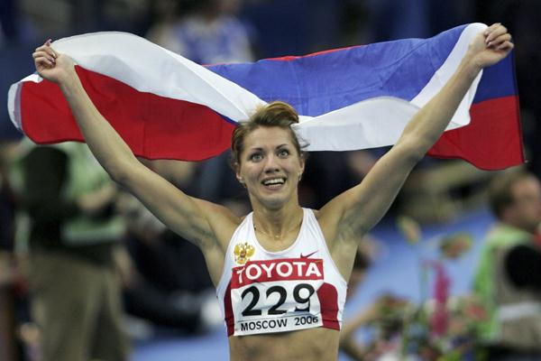 Olesya Krasnomovets of Russia celebrates her victory in the women's 400m final (Getty Images)