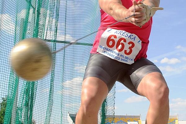 Anita Wlodarczyk throws 75.74m at the Polish championships (Adam Nurkiewicz - Mediasport)