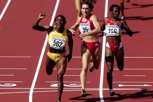 800m Final - Maria Mutola (© Allsport)