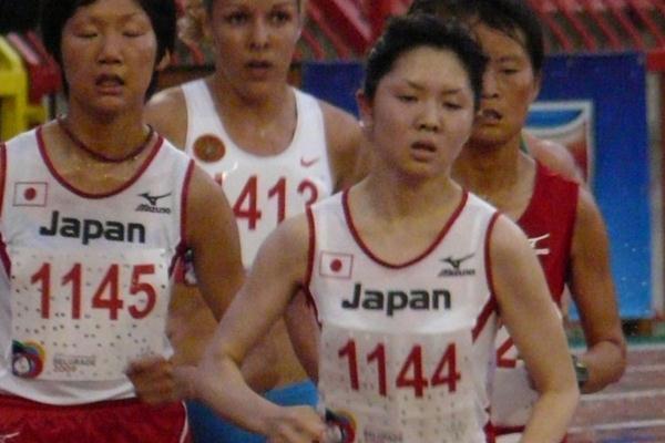 Kasumi Nishihara en route to her 10,000m title at the World University Games (Hans van Kuijen)