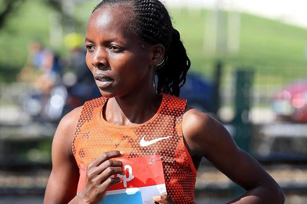 Rose Chelimo during the EDP Lisbon Half Marathon (Victah Sailer / Photorun.com)