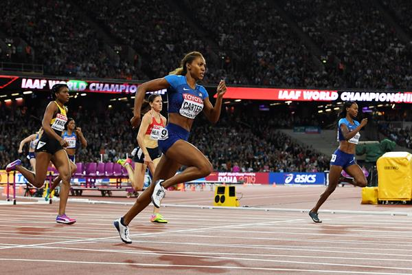 Kori Carter and Dalilah Muhammad in the women's 400m hurdles final at the IAAF World Championships London 2017 (Getty)