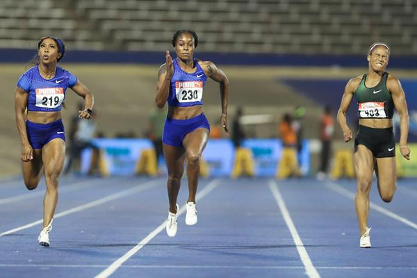 Elaine Thompson beats Shelly-Ann Fraser-Pryce in the 100m at the Jamaican Championships (Athelstan Bellamy)