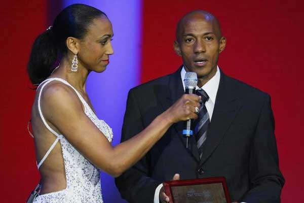 Charmaine Crooks interviews Frank Fredericks at the IAF Gala (Getty Images)