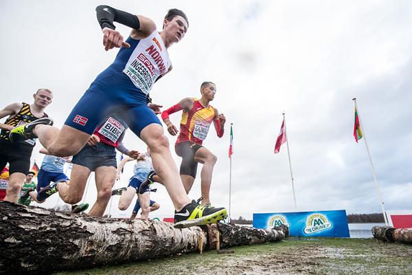 Jakob Ingebrigtsen on his way to winning the European U20 cross-country title in Tilburg (Getty Images)