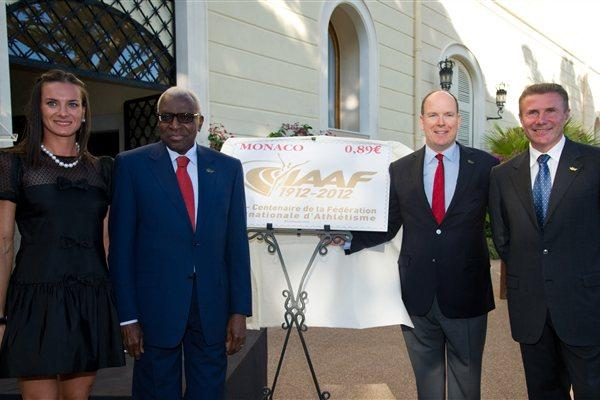 Yelena Isinbayeva, President lamine Diack, HSH Prince Albert II of Monaco, and Sergey Bubka at unveiling of IAAF Centenary postage stamp (Gaëtan Luci / Palais princier)
