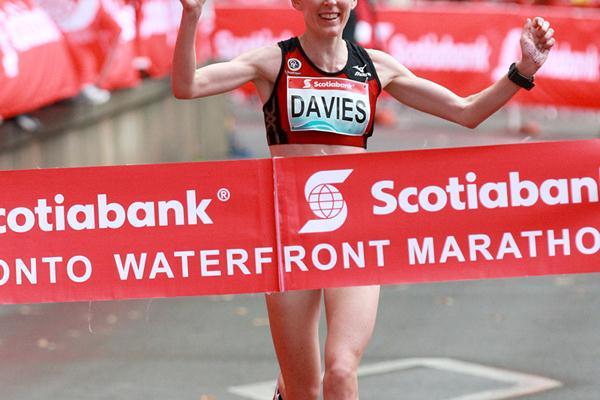 Mary Davies (NZL) winning the 2012 Toronto Marathon (Victah Sailer)