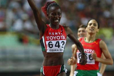 Kenya's Janeth Jepkosgei wins the women's 800m final in Osaka (Getty Images)