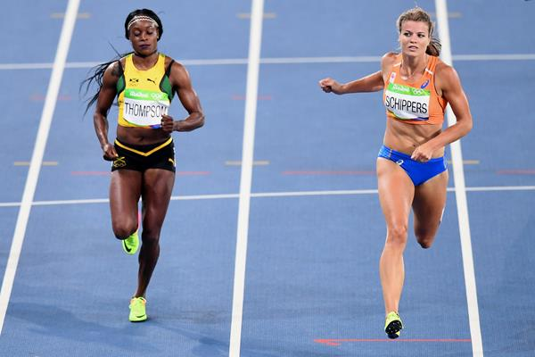 Elaine Thompson and Dafne Schippers in the 200m semi-final at the Rio 2016 Olympic Games (Getty Images / AFP)