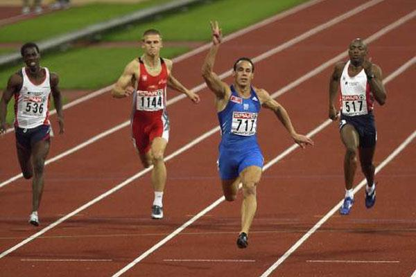 Kostas Kenderis winning at the 2002 European Championships (Getty Images)