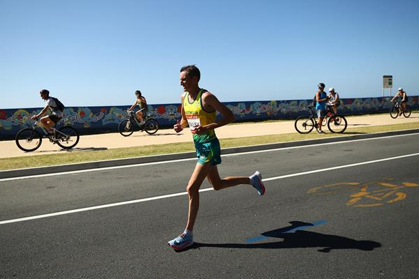 Michael Shelley on his way to winning the marathon at the Commonwealth Games (Getty Images)