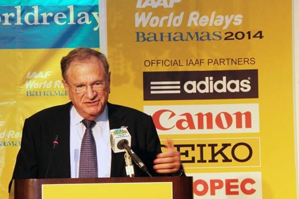 IAAF Senior Vice President Bob Hersh at a presentation for the IAAF World Relays (IAAF / LOC)