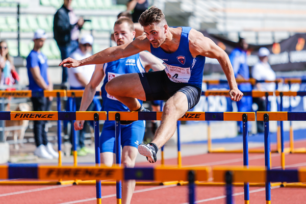 Martin Roe in the decathlon 110m hurdles at the IAAF Combined Events Challenge meeting in Florence (Organisers)