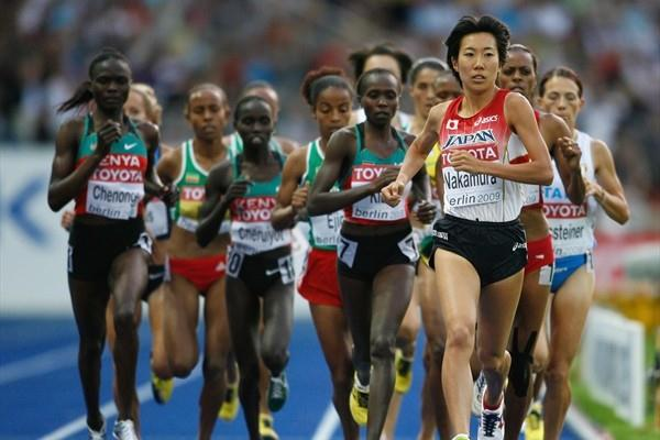 Yurika Nakamura of Japan leads the pack in the women's 5000m Final at the 12th IAAF World Championships in Athletics (Getty Images)