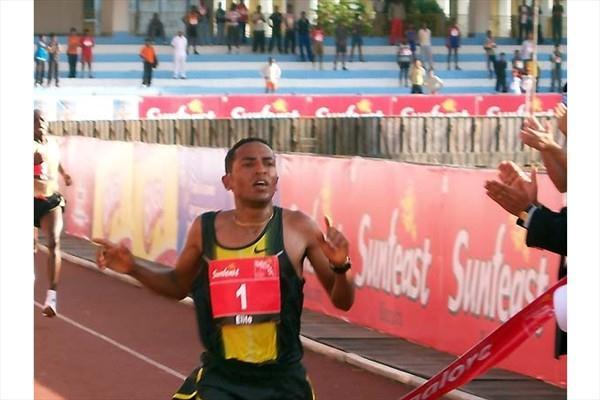 Zersenay Tadese wins 10km in Bangalore (Ram. Murali Krishnan)