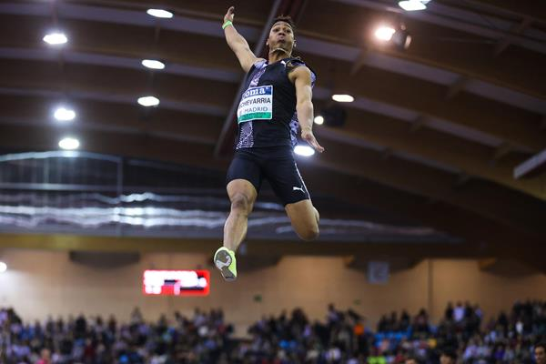 Juan Miguel Echevarria sails 8.41m in Madrid (Dan Vernon)