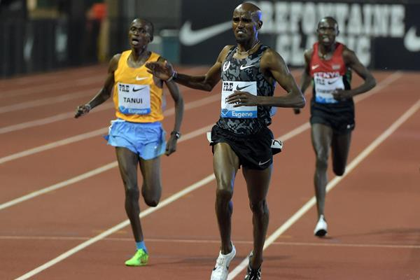 Mo Farah winning the 10,000m at the 2015 IAAF Diamond League meeting in Eugene (Kirby Lee)