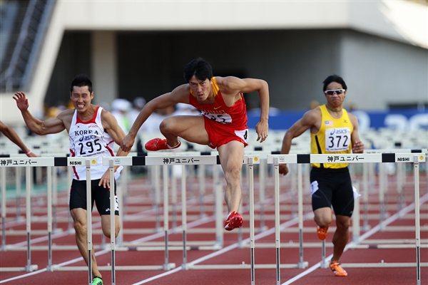 Lius Xiang on the way to Asian Championships title No. 4 (Yohei Kamiyama (Agence Shot))