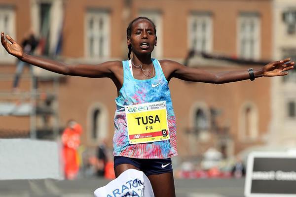 Rahma Tusa wins the Rome Marathon - again (Giancarlo Colombo)