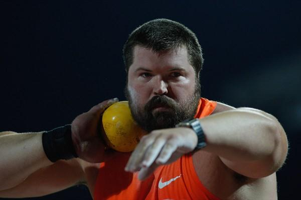 World Champion Christian Cantwell goes over 22 metres again in the men's Shot (Getty Images)