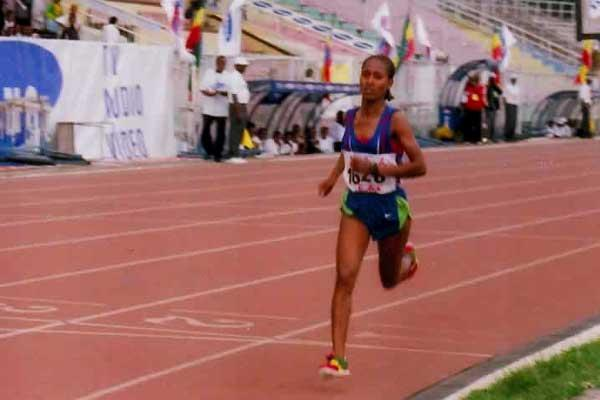 Gelete Burka in the women's 1500m at the 2007 Ethiopian Champs (Markneh Lorisso)