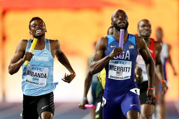 LaShawn Merritt anchors the US to victory in the men's 4x400m at the IAAF/BTC World Relays Bahamas 2017  (Getty Images)