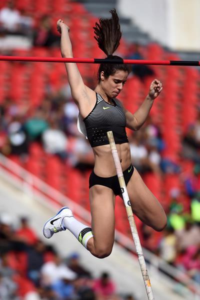 Ekaterini Stefanidi in the pole vault at the IAAF Diamond League meeting in Rabat (Kirby Lee)