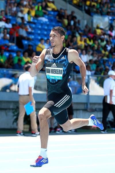 Wayde van Niekerk wins the 400m at the IAAF Diamond League meeting in New York (Victah Sailer)