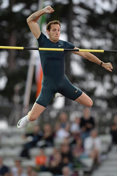 Renaud Lavillenie at the 2014 IAAF Diamond League meeting in Lausanne (Giancarlo Colombo)