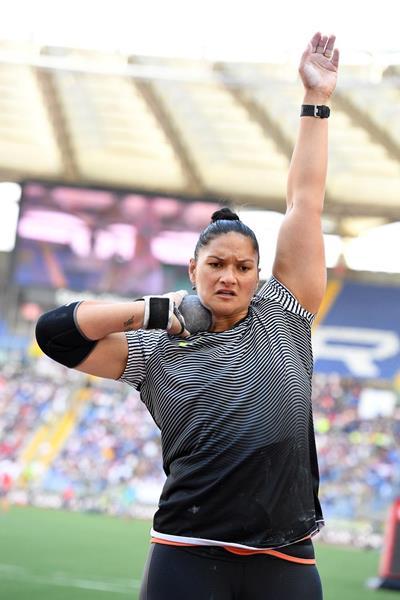 Valerie Adams at the 2016 IAAF Diamond League meeting in Rome (Gladys Chai)