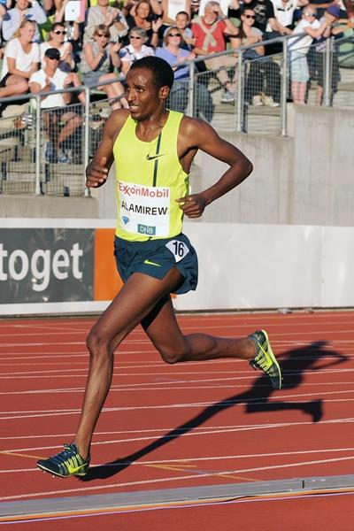 Yenew Alamirew in the 5000m at the 2014 IAAF Diamond League in Oslo (Mark Shearman)