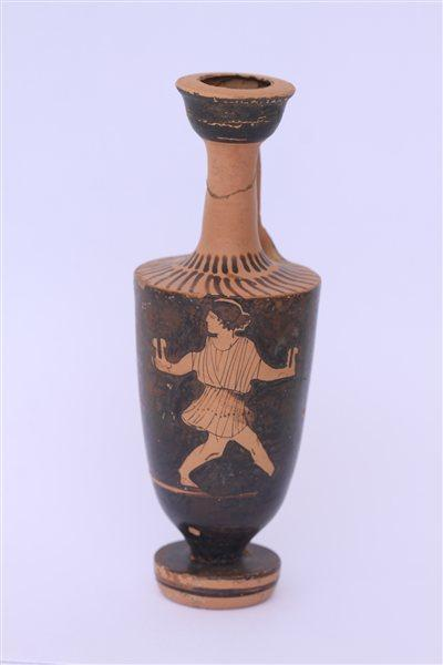 Attic Red-Figure Lekythos, Athens, Attica Vase - 5th Century BC: depicts an athlete holding jump weights (halteres) in preparation for the Long Jump (Olympic Gallery of Roberto Gesta de Melo )