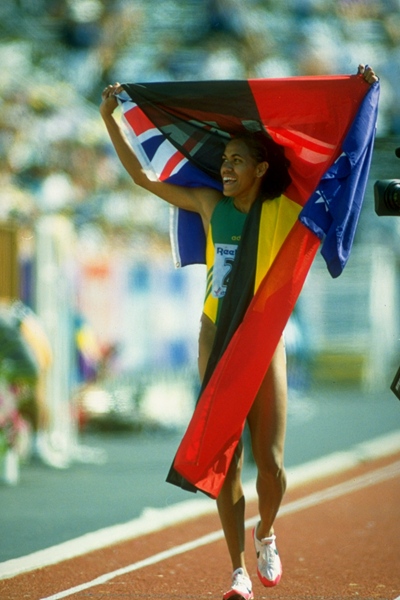Cathy Freeman celebrates 400m gold at the 1994 Commonwealth Games (Getty Images)