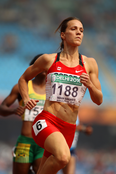 Jessica Zelinka ()