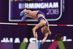 Katie Nageotte competes during the IAAF World Indoor Championships in Birmingham (Getty Images / AFP )