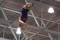 Armand Duplantis in action in the pole vault (LSU / Brenden Staffier)