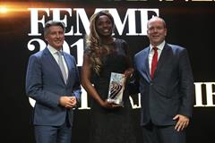 2018 Female World Athlete of the Year Caterine Ibarguen with IAAF President Sebastian Coe and HSH Prince Albert of Monaco (Giancarlo Colombo)