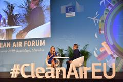 Paula Radcliffe at the EU Clean Air Forum in Bratislava (Organisers)