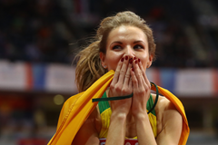 Airine Palsyte celebrates gold at the European Indoor Championships (Getty Images)