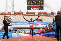 The clock may be a second off, but it's a Dutch all-comers record for Lawrence Cherono in Amsterdam (Organisers)