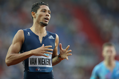 Wayde van Niekerk wins the 300m at the Golden Spike meeting in Ostrava (AFP / Getty Images)