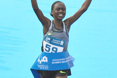 Kenya's Bornes Kitur winning at the Mumbai Marathon 2017 (organisers)