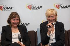 Marita Koch and Heike Drechsler speak to the press in Monaco (Philippe Fitte / IAAF)