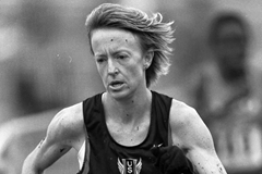 Deena Kastor at the 2001 World Cross Country Championships (Getty Images)