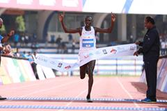 Geoffrey Kamworor wins the 2018 TCS World 10k in Bengaluru (Organisers)